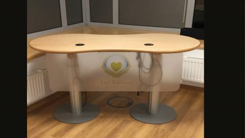 Referententisch infinitydesign Tischplatte 8D1DD168 mit Säulenfüßen motorisch verstellbar