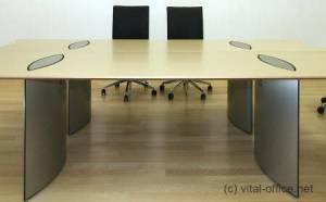 circon executive basic - Chefschreibtisch - Eleganter Zugang zu Steckdosen und Kabel von oben